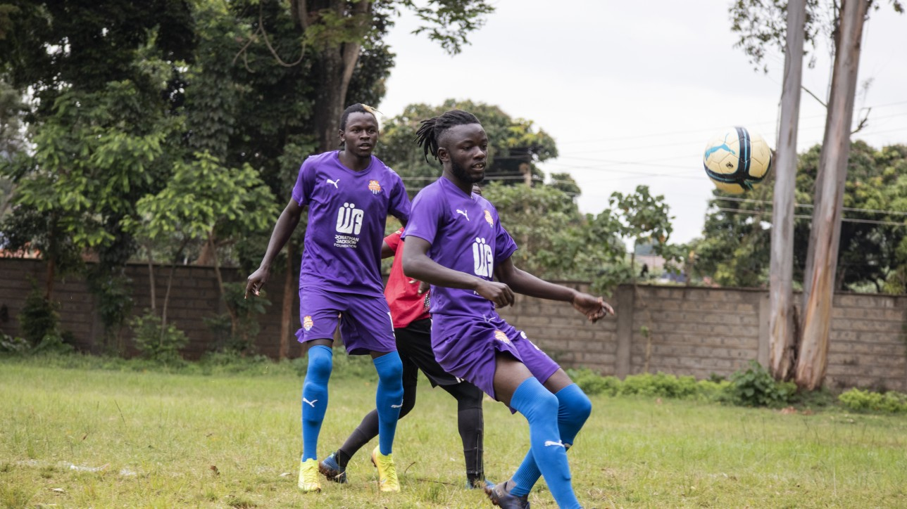 Oliver Maloba on the ball as Davis Agesa looks on during a friendly against Mt. Kenya United at Dagoretti High on Sat 14 Nov 2020. It ended 1-1