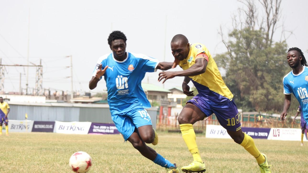 Kevin Okumu of City Stars fending off Western Stima skipper Patrick Otieno during a roud 20 clash played at Ruaraka on Tue 15 Jun 2021. City Stars won 2-0